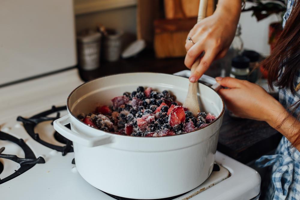 huckleberries12_creditCarlyDiaz.jpg