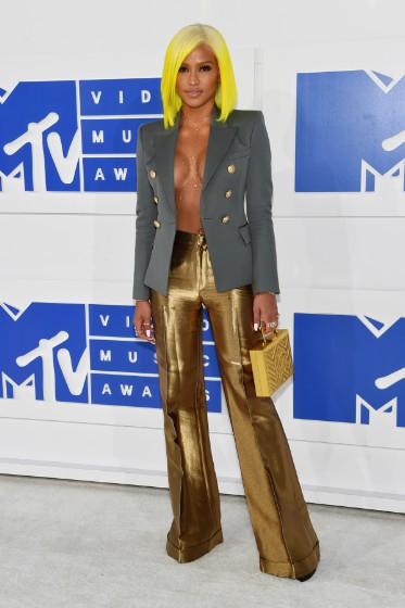 VMA's 17'/Cassie