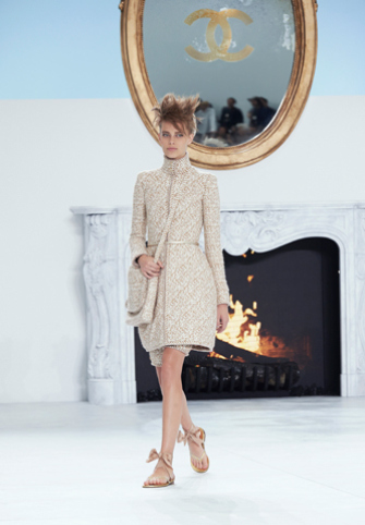 chanel-fall-winter-2014-15-haute-couture-looks-05.jpg