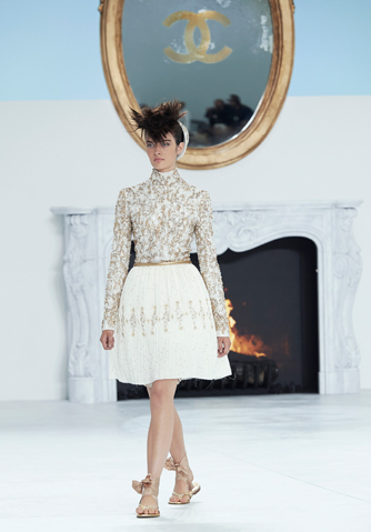 chanel-fall-winter-2014-15-haute-couture-looks-17.jpg
