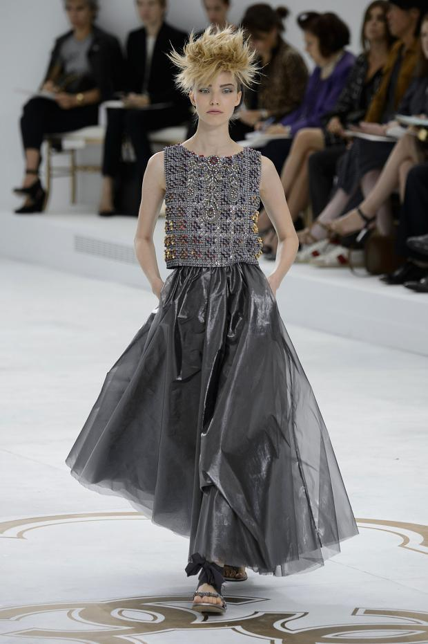 Chanel-Haute-Couture-Fall-2014-2015-10.jpg