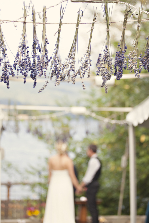 outdoor-diy-wedding-ceremony-lavendar-decor.jpg