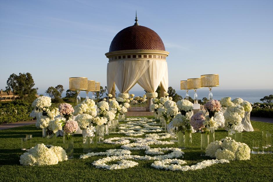 mindy-weiss-wedding-ceremony-decor.jpg
