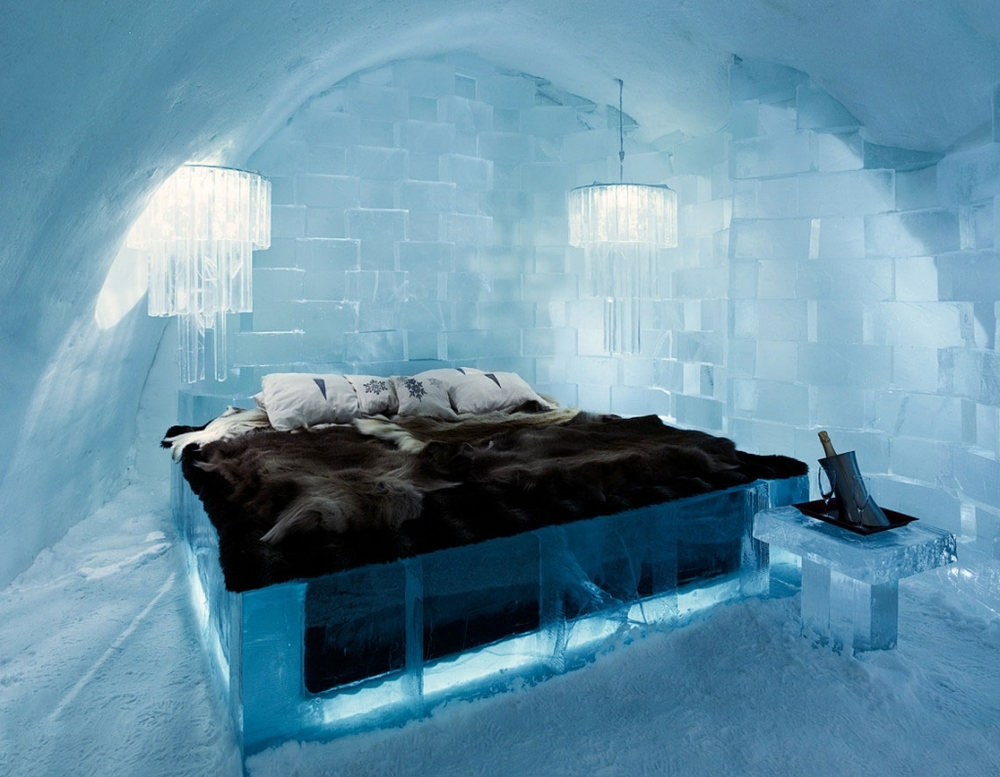 Ice-Hotel-Winter-Wedding-as-seen-on-Ice-Hotel-3.jpg