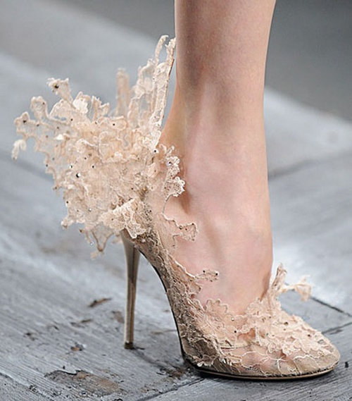 4-beautiful-Valentino-women-shoes-collection.jpg
