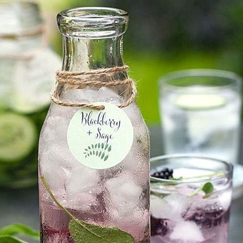 Provide your guests with an upgraded version of their normal water, with infused waters. Customized the colors and flavours to your wedding occasion. #InfusedWater #Blackberry #Sage #DIY #WeddingInspiration #WeddingPlanning #TheBridalCoach #KissesandCake #KissesandCakeWeddings   Image: @stylemepretty