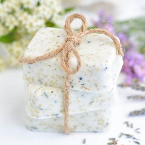 DIY Lavender Chamomile Tea Soap, something the ladies will be sure to love. Instructions available on A Pumpkin and a Princess website. #HenParty #Lavender #DIY #Crafts #WeddingInspiration #WeddingPlanning #TheBridalCoach #KissesandCake #KissesandCakeWeddings   Image: apumpkinandaprincess.com