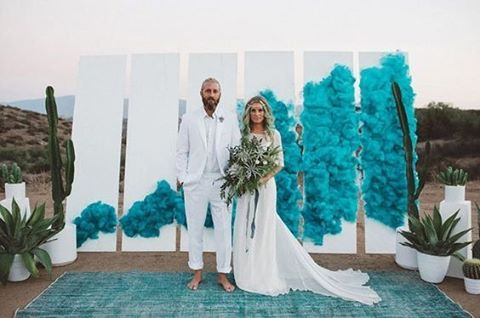 Get creative with your wedding background, enhance the natural setting with brilliant colours and modern style elements #Love #BrideToBe #WeddingShoot #EngagementShoot#GreenWeddingShoes #Teal #Copper #SmokeBomb #WeddingStyling #WeddingInspiration #WeddingPlanning #TheBridalCoach #KissesAndCake #KissesAndCakeWeddings | Image: Green Wedding Shoes - shoot, designed + planned by LB Event Planning, styled + installed by Jesi Haack Design and photographed by Laura Goldenberger