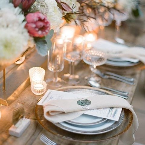 Lighting changes the mood of any occasion, we are loving the placement of these tealights. They give the table a chic and romantic feeling. #Romantic #Chic #Lighting #WeddingStyling #TableSetting #Candles #WeddingInspiration #WeddingPlanning #TheBridalCoach #KissesAndCake #KissesAndCakeWeddings   Image: Jose Villa Photography viamodwedding.com