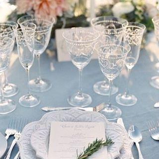 Wedding Decor and Table Setting Inspiration #TableSetting #WeddingDecor #WeddingInspiration #WeddingPlanner #TheBridalCoach #KissesAndCake #KissesAndCakeWeddings  Image: Jose Villa Photography via stylemepretty.com