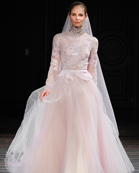 Gown Naeem Khan | Photo: Gerardo Somoza / Indigitalimages.com