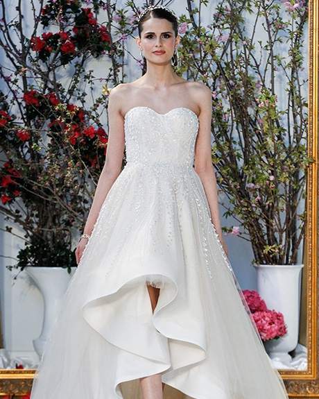 Wedding dress by   Anne Barge  | Photo: Gerardo Somoza  Indigitalimages.com