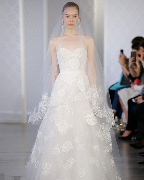 Gown Oscar de la Renta | Photo: Gerardo Somoza / Indigitalimages.com