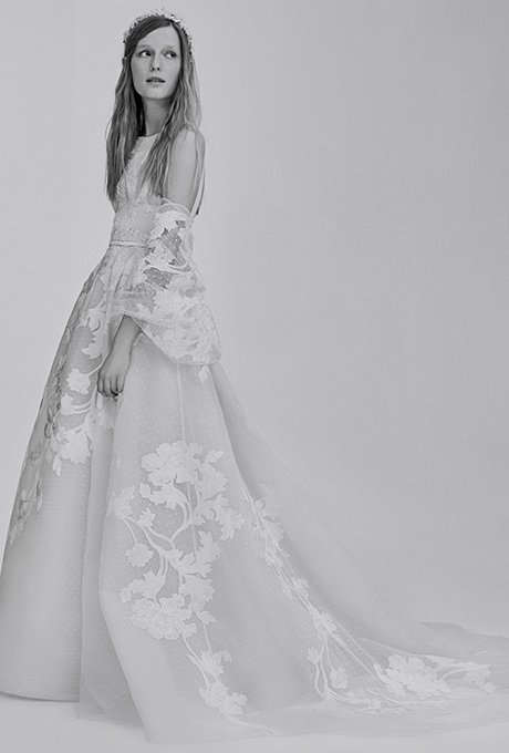 Wedding dress by    Elie Saab Bridal   | Photo: Courtesy of Elie Saab