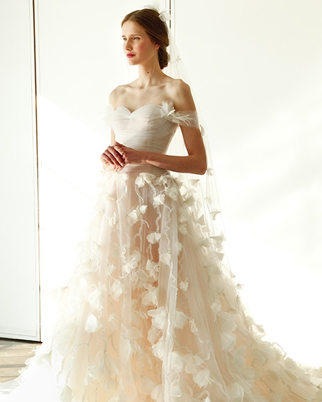 Gown   Marchesa  | Photo: Gerardo Somoza / Indigitalimages.com