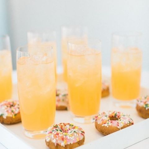 How adorable are these sprinkled donuts and refreshments featured in LA Rooftop Wedding #Donuts #Refreshments #Cocktails #Food #WeddingInspiration #WeddingPlanning #TheBridalCoach #KissesAndCake #KissesAndCakeWeddings #LAbride #LAwedding #bridalblogger #weddingblogger #inspiration | Image: RG @rutheileenphoto
