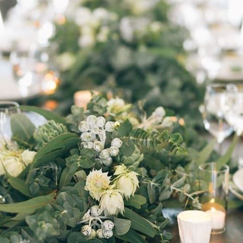 Daily floral inspiration #blooms #flowers #wedding #bride #thebridalcoach #planner #stylist #kissesandcakeweddings #kissesandcake #sydneybride #sydneywedding #bridalblogger #weddingblogger #inspiration | Image: the style co | Read more about it on our website, kissesandcake.com.au in the Floral Styling section