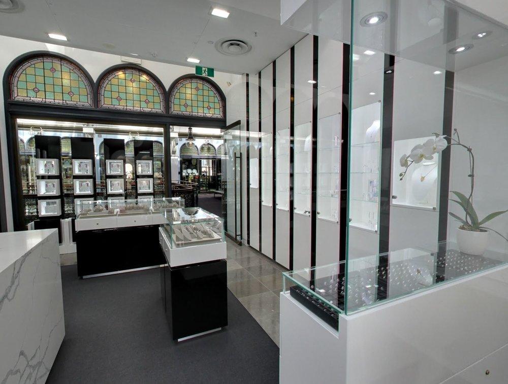 Moi Moi Interior from back.JPG