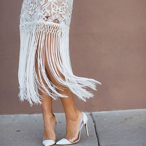 Shake it up on your wedding day #gown #inspiration #salsa #dancing #white #bride #thebridalcoach #wedding #kissesandcakeweddings #kissesandcake #planner #styling #sydneybride #sydneywedding #bridalblogger #weddingblogger #inspiration