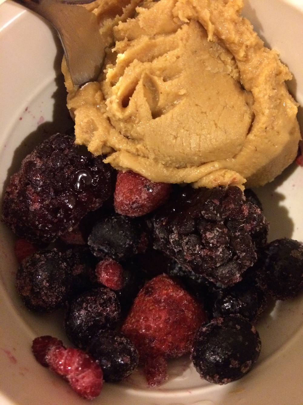 frozen berries + peanut butter --> no bliss point here, just pure satisfaction :)