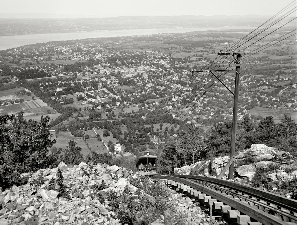 The 19th The 19th century incline railway car climbs Mount Beacon. (Photo courtesy of Mount Beacon Incline Railway Restoration Society)