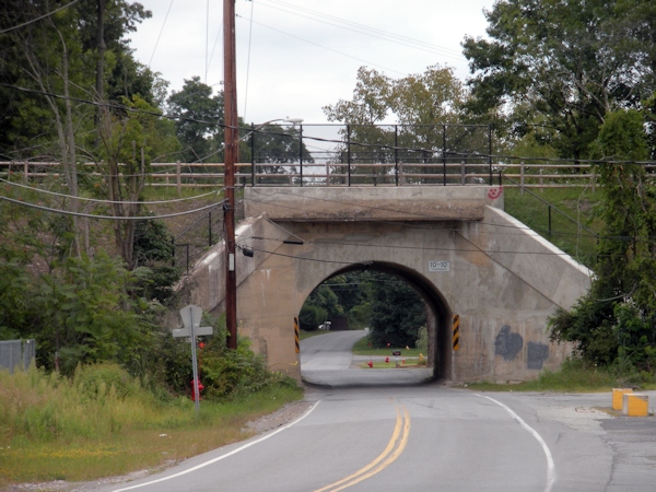 Van Wagner Road. 1915 arch bridge – road now goes under the RT  (phase II 2009)
