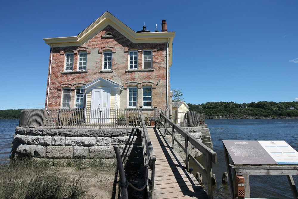 The Saugerties Lighthouse Getaway-Take a short hike to this historic landmark turned B&B