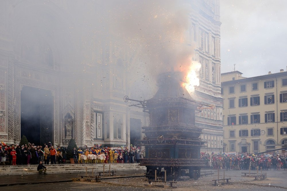 Fire Cart in Florence on Easter Sunday