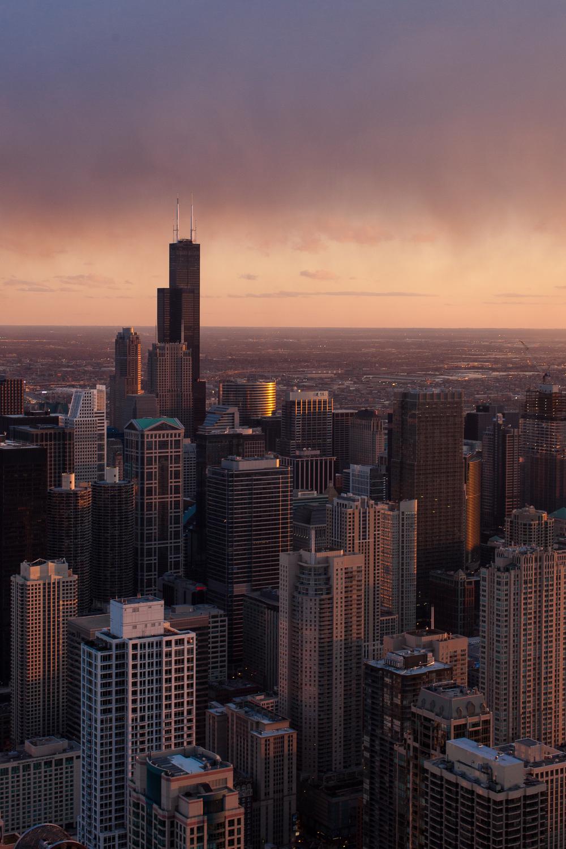 360-chicago-skyline-sunset