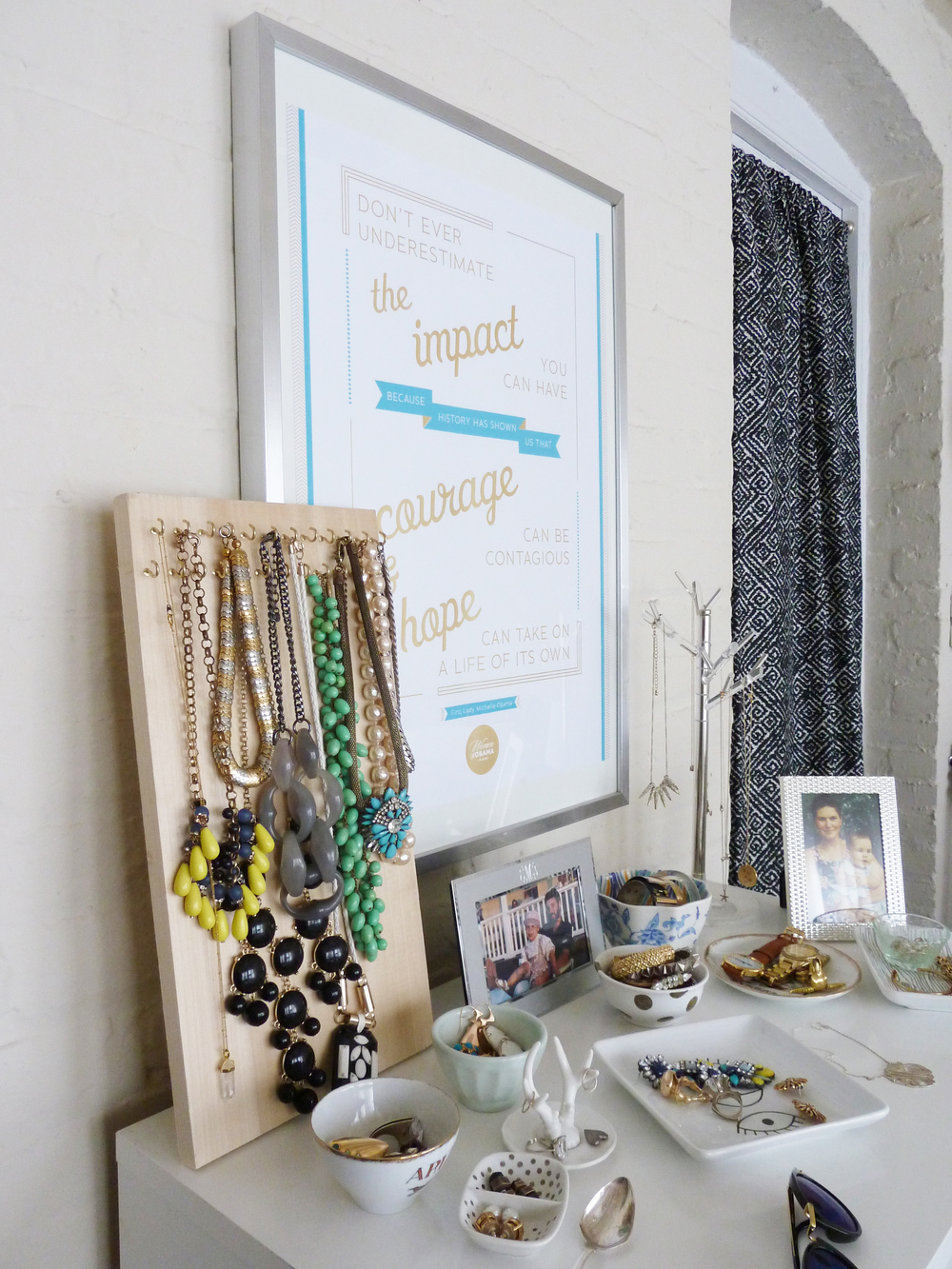 jewelry display | champagne takeout