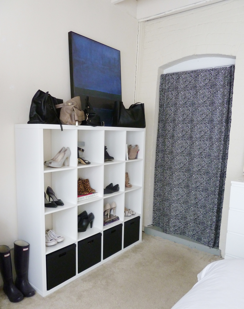 shoe storage | champagne takeout