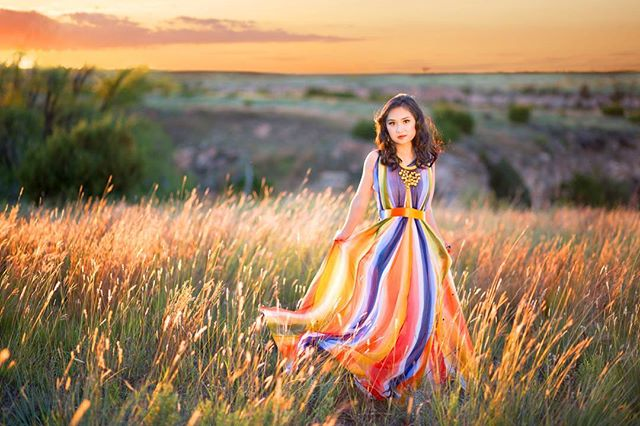 Loved how perfect the light was.  Beautiful portrait of @nguyeny_the_pooh. Hair and makeup by @beckyrob #camilledavisphotography #amarilloseniorphotographer #seniorphotos #seniorstyleguide #ssgmagazine