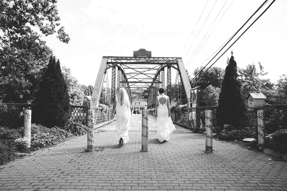 alyssa+christinaonbrudge-1.jpg
