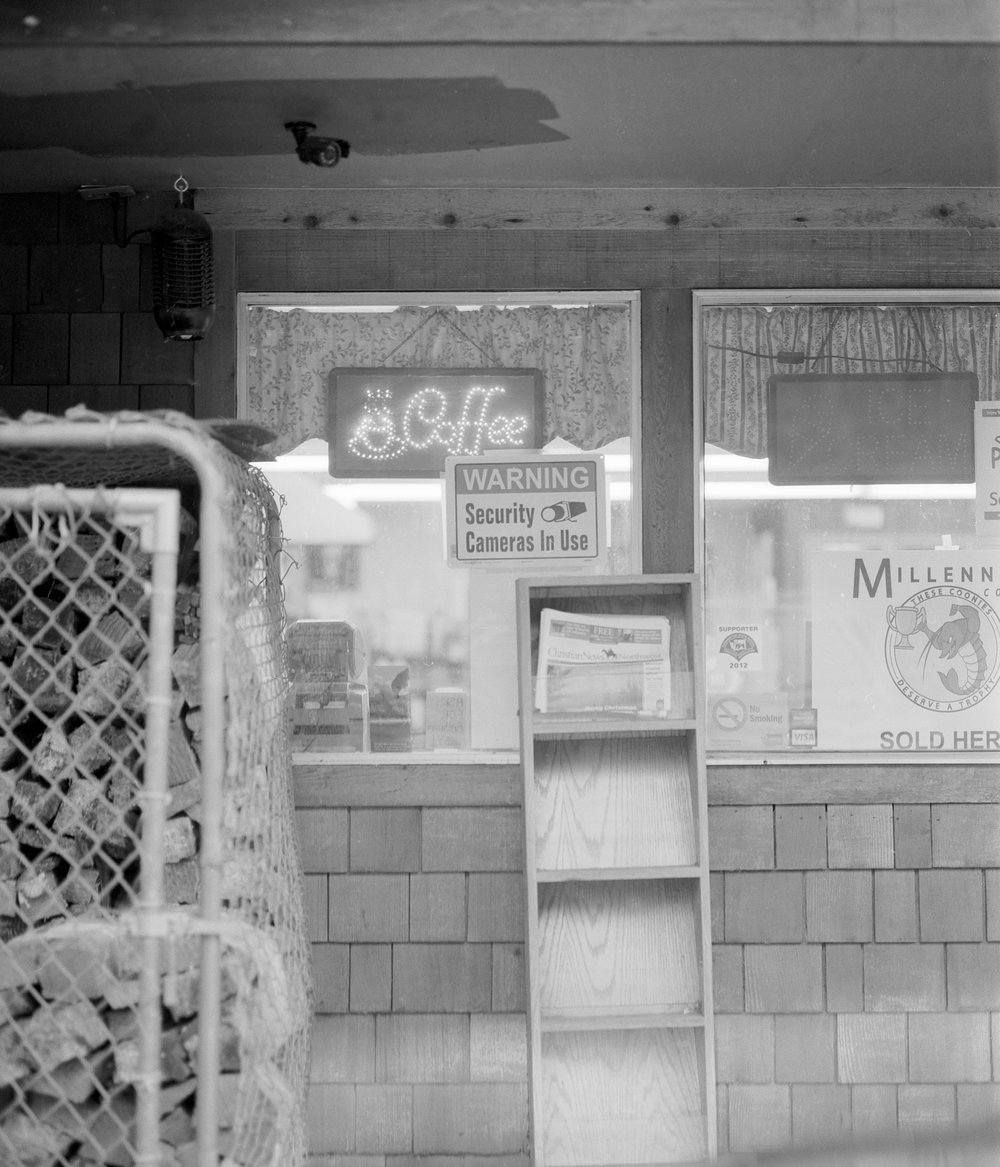 General store on it's last day of business, Oregon