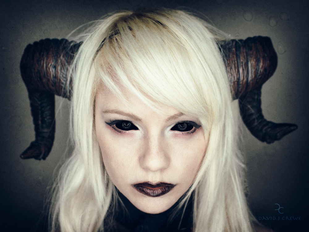 A close headshot of RIN in her Demon Cosplay!