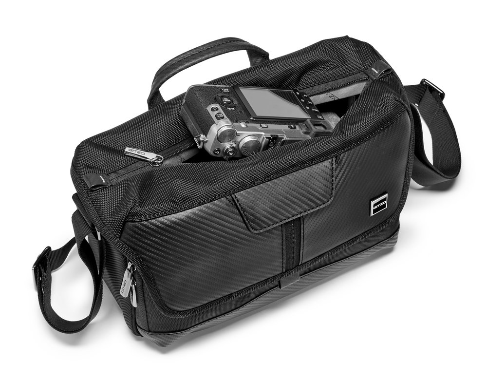 HR-GITZO_camera_bag_GCB100MS_quick access.jpg