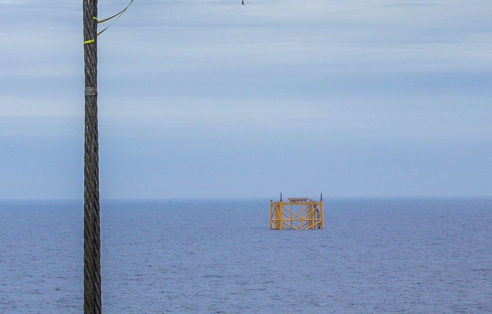 Det 137 meter høye stålunderstellet på 112 meters dyp