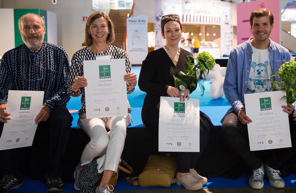 Palkitut suunnittelijat vasemmalta oikealle: Rudi Merz, Elina Helenius, Inni Pärnänen ja Tomi Laukkanen.