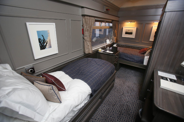 52-NO-FEE-Luxury-Train-Dublin-90428046.jpg
