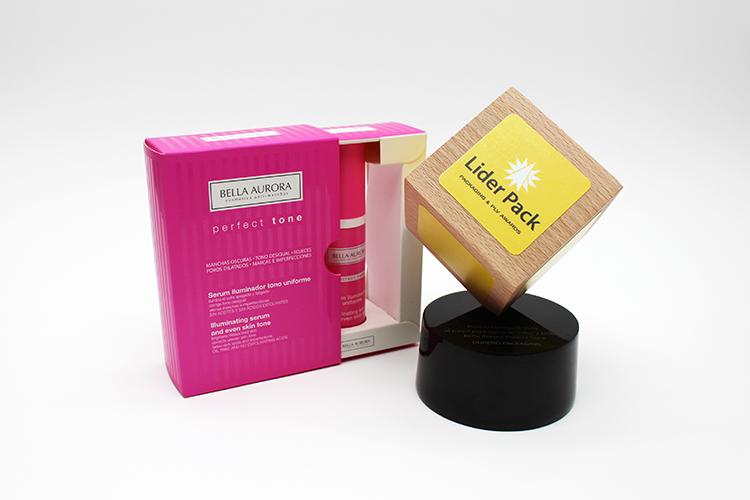 El estuche Bella Aurora Perfect Tone, premiado en la categoría de  mejor packaging de Salud y Belleza .