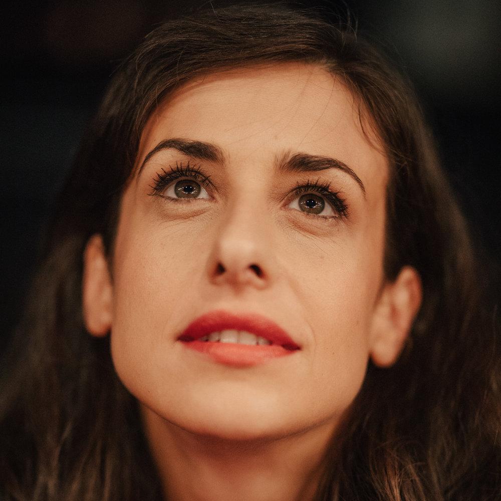 Lara Komar (Irena)