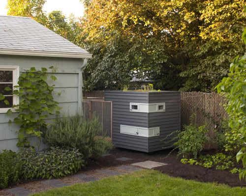 modern hen house.jpg