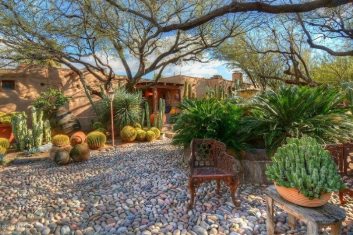 Located in Tucson, Arizona, this adobe home was built in 1938.