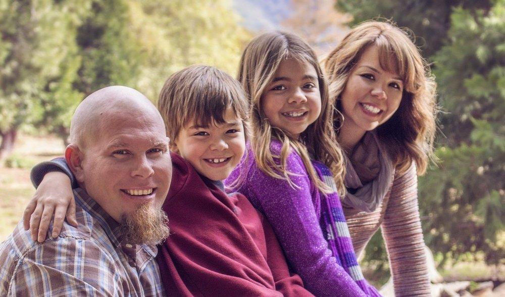 family-838239_1920.jpg