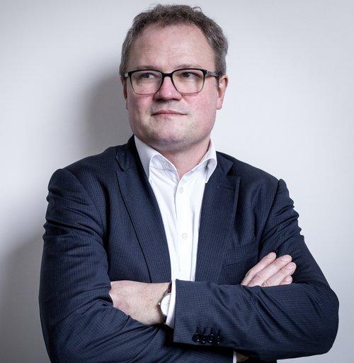 """Thierry Duchamp, Founder & CEO   Fort d'une expérience de plus de 10 ans chez Thomson Reuters Risk Management, Thierry a acquis au fil des années une forte expertise dans les domaines du Software et de la finance .  Précurseur, Il fonde en 2012 Scaled Risk, l'une des premières RegTech européenne. Sa parfaite maîtrise des technologies """"Big Data"""", son expérience et son leadership contribue largement au développement de la solution Scaled Risk."""