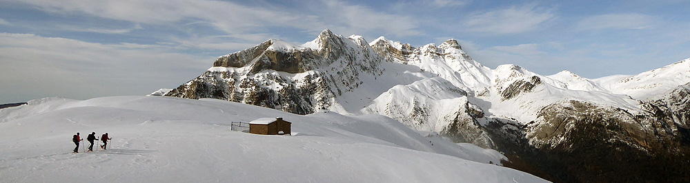 raquetas de nieve en el valle de hecho