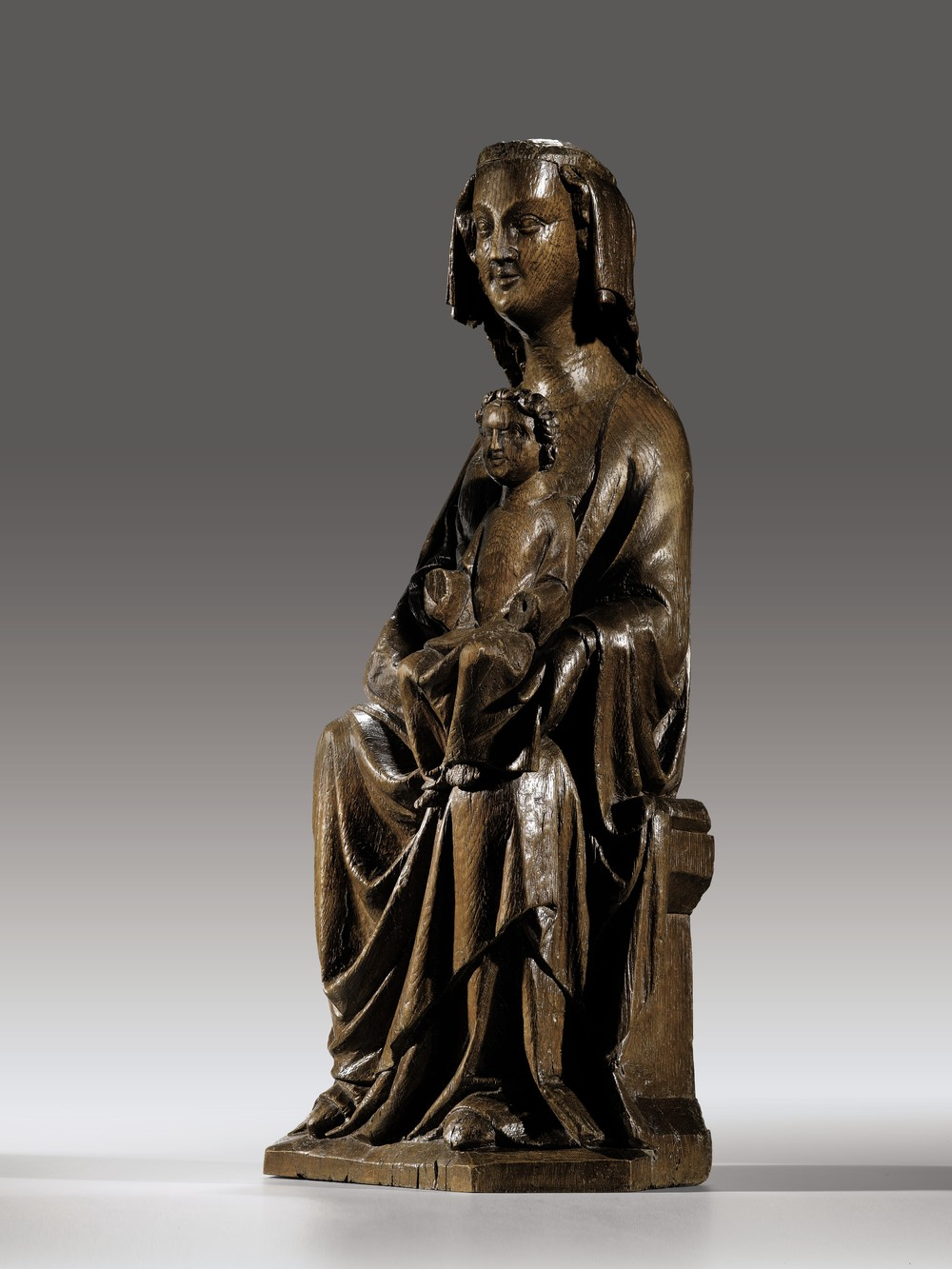 Virgin and Child Enthroned     Mosan    1250-1290    Height 82 cm, oak    2. (1080)