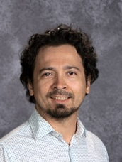 2nd Grade Spanish Teacher Giovanni Leon giovanni@denverlanguageschool.org ext. 2314
