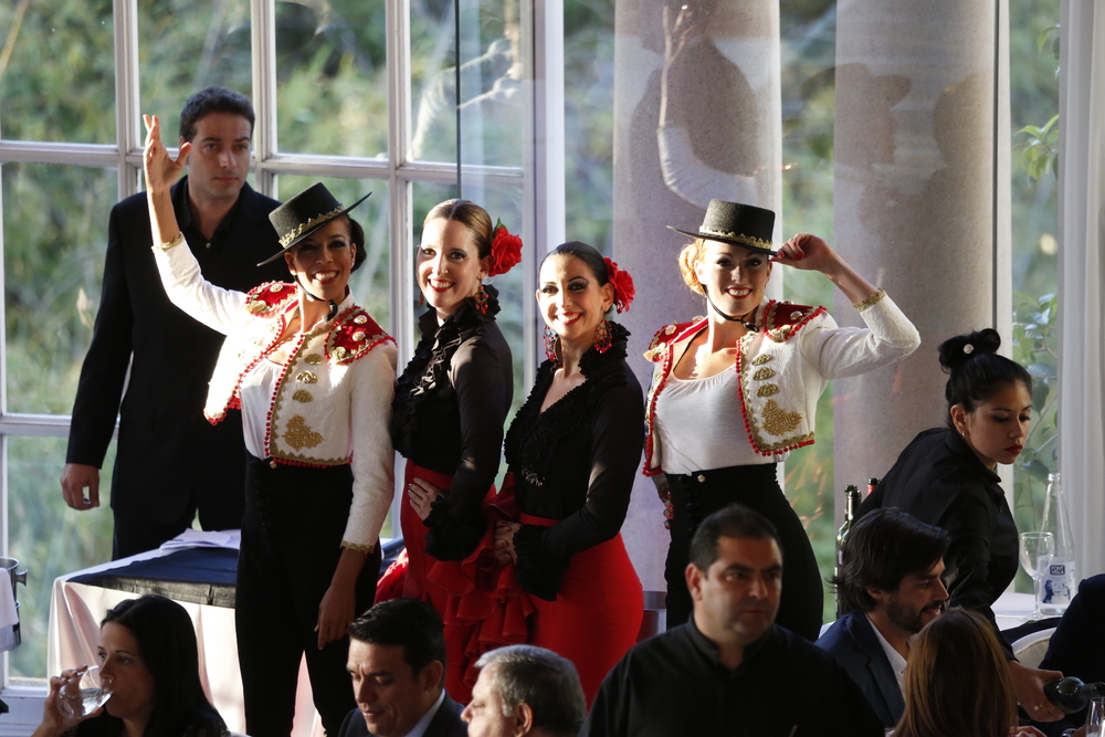 Our beautiful FLAMENCO DIVAS helped the Delegates during the Award Ceremony.