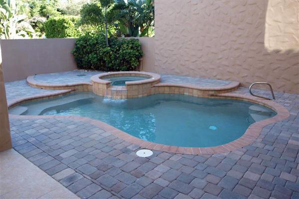 pool_and_spa.jpg